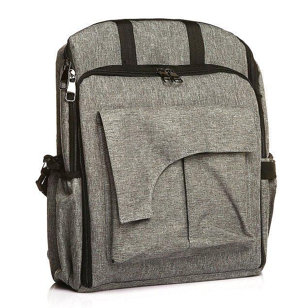 9. Bu çantanın ön cebi koltuk oluyor!