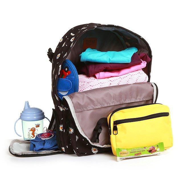 14. Söküp takılabilen bel çantası ve yan tarafındaki kirli çamaşır cebi ile kullanışlılıkta bir adım öne geçmiş bir çanta.