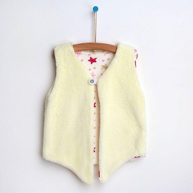 8. Yumuşacık bir yelek her bebeğin ihtiyacı.