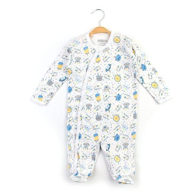 2. Bebekler daha çok tulum giyiyor. Tulum yenidoğan bebekler için daha pratik oluyor.