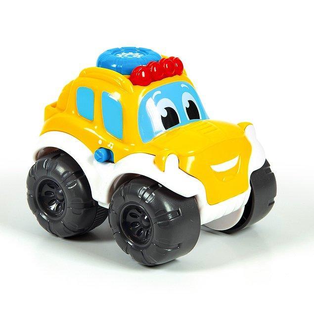 10. Çocukların favorisi araçlar onları pek çok eğlenceli ses efekti ve ışıklarla eğlendiriyor.