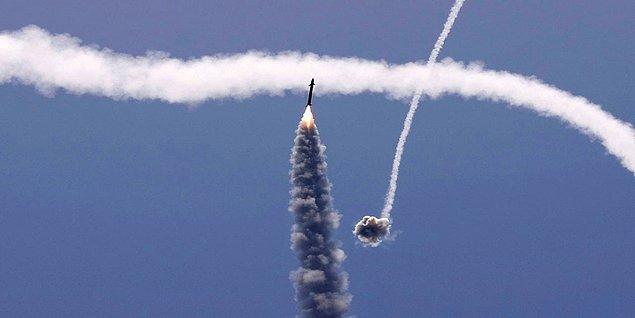 Bir bataryada, her birinde 20 füze bulunan 3 veya 4 roketatar bulunuyormuş. Bu füzeler havada manevra yapabilme kabiliyetine de sahipmiş.