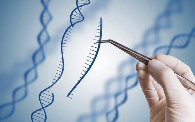 ''DNA üzerinde ameliyat yapabilme teknolojisi'' olarak nitelendirilen bu sistem, Fransız mikrobiyolog Emmanuelle Charpentier ve ABD'li biyokimyacı Jennifer A. Doudna tarafından geliştirildi.