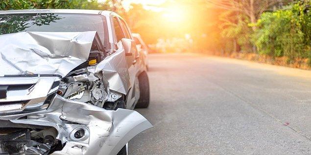Trafik kazalarının %95'nin insan hatasından kaynaklandığını hesaba katarsak, otonom araçların yaygınlaşmasıyla beraber kaza miktarlarının çok büyük oranda azalacağına kesin gözüyle bakılıyor.