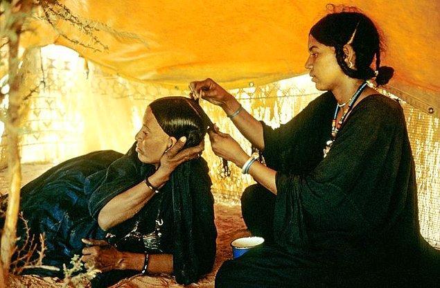 4. Kadınlara karşı bu kadar saygı beslenmesinin sebebi ise Tuareg halkının annesi olduğuna inanılan Tin Hinan'dan gelmektedir.