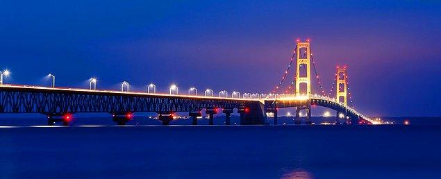 9. Mackinac Köprüsü - Mackinaw City, Michigan