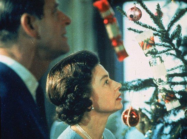 2. Noel sabahı hediyelerini açmak:
