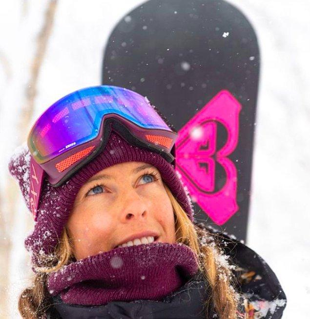 Tanımayanlar için Torah Bright Avustralyalı profesyonel bir snowboardcu.