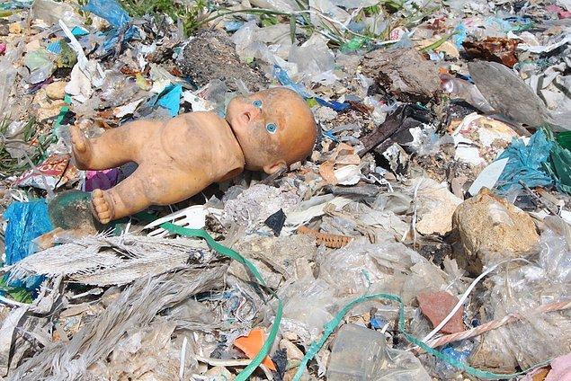 Eurostat'ın verilerine göre AB'nin Türkiye'ye yaptığı geri dönüştürülebilir ham madde ihracatı son 14 yılda yaklaşık üç kat artarak toplam 13 milyon tona ulaştı ve Çin'de çöp ithalatının yasaklanması ile Türkiye 2019 ve 2020 yıllarında AB'den en fazla çöp ithal eden ülke oldu.