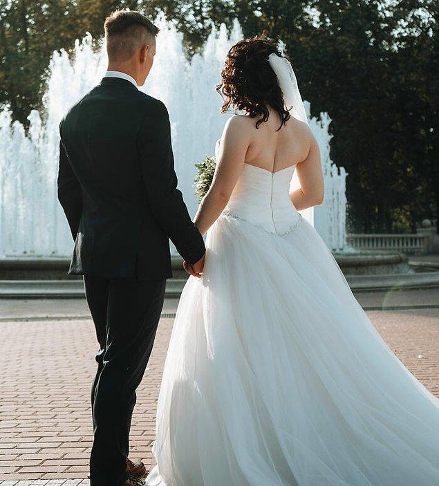 9. Avustralya'da bir düğünü bölmek yasak.