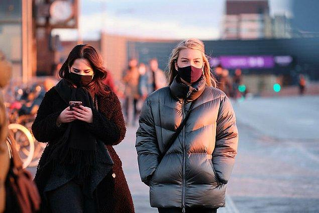 21. Danimarka'da halk içinde yüzü tamamen kapatmak yasak.
