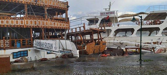 İlk belirlemelere göre 20 tekne battı