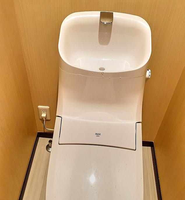 10. Tuvaletlerin üstünde su tasarrufu için lavabolar bulunur.