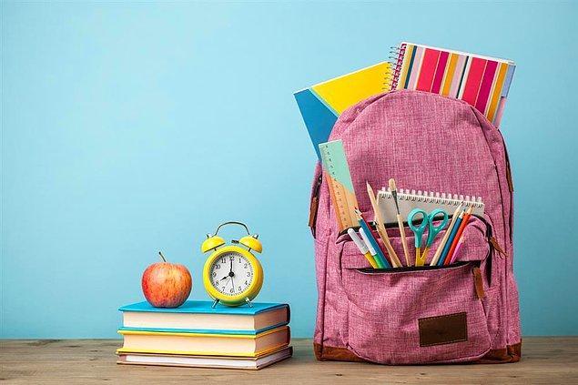 7. Öğrencilerin okulda kullanabileceği araç ve gereçler her yıl düzenli bir şekilde bedava dağıtılmalı.
