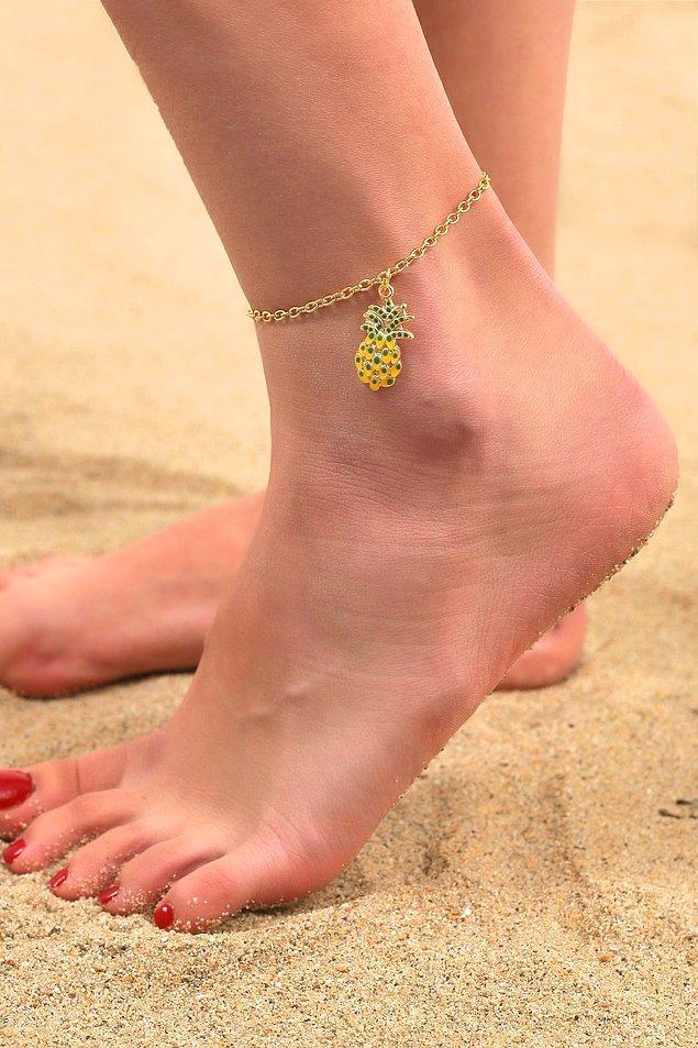 7. Yaz ayına ananas desenli modeller çok yakışıyor.