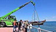 İzmir Dikili'deki Fırtınada Parçalanarak Batan 27 Tekne Çıkartılmaya Başlandı