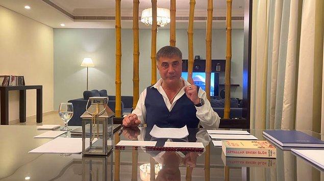 """""""Para trafiği nasıl oluyor. Kıbrıs, Halil Falyalı. Tüm para trafiği buradan dönüyor."""""""