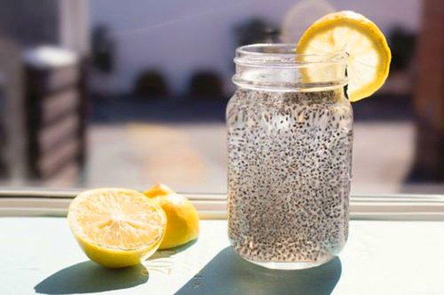 15. Chialı limonlu lezzetli bir içecek