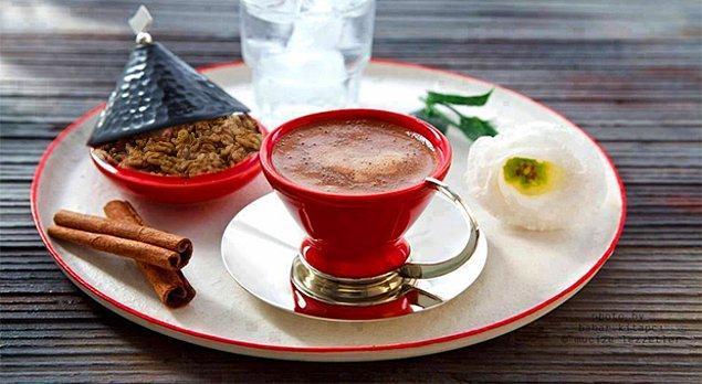 16. Sütlü tarçınlı lezzetli kahve