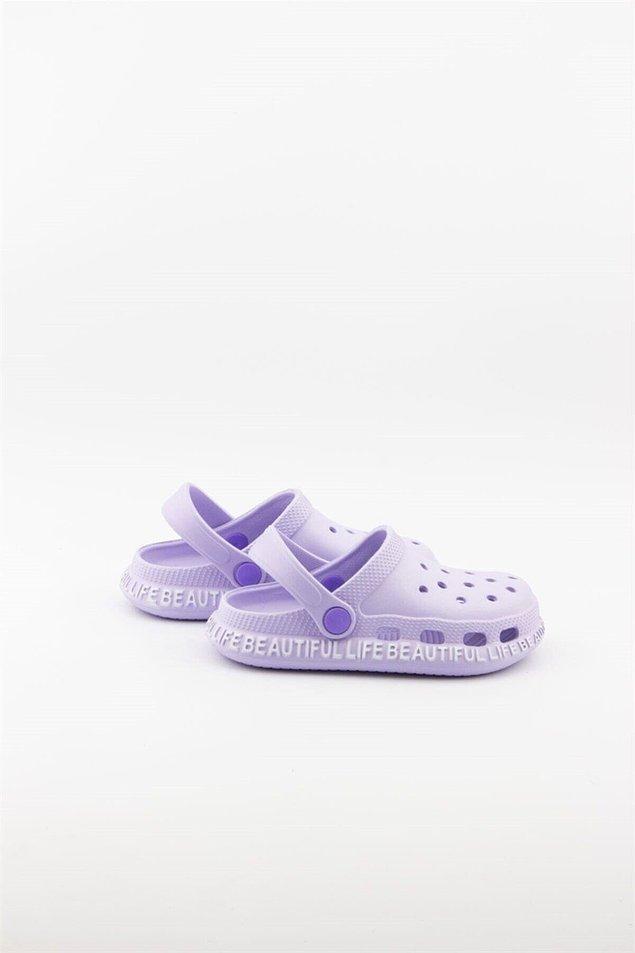 20. Küçük hanımefendiler ise bu şık crocs modellerine bayılacak!