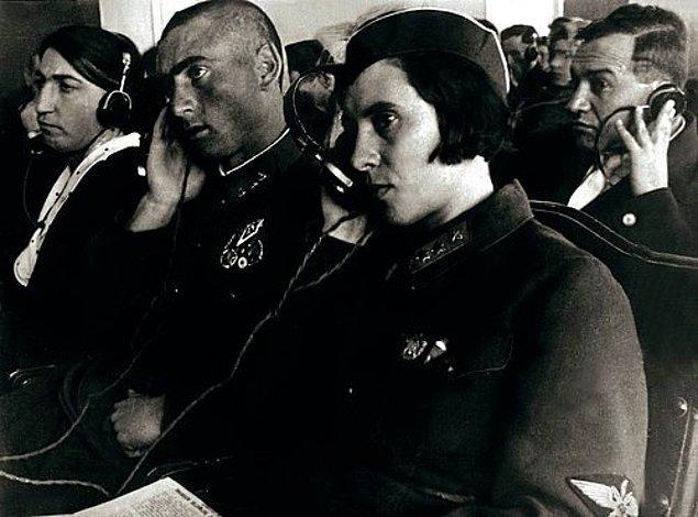 14. Leyla Elesger'in kızı Memmedbeyov (1909- 1989) Azerbaycan'da, Kafkasya'da ve aynı zamanda tüm Güney Avrupa ve Ortadoğu'da ilk kadın pilotdur.