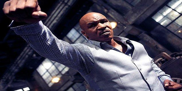 10. Ip Man 3 çekimleri sırasında, Donnie Yen'in Mike Tyson'ın eline dirseğiyle vurması sonucu Tyson'ın parmağı kırılmış. Ancak Tyson bunu profesyonelce karşılayarak çekimler bitene kadar dile getirmemiş.