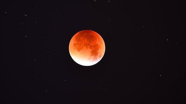 Gölgeli Ay tutulması