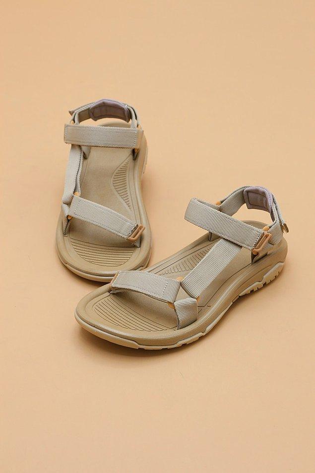 10. Yazın giyeceğiniz rahat kıyafetlerin altına uygun bir sandalet var mı dolabınızda?