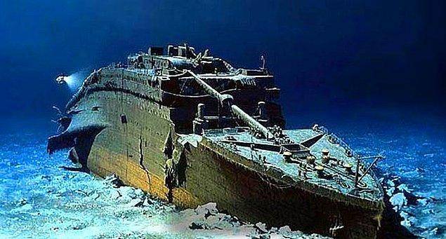 2. Titanik'in kalıntıları oldukça hızlı bir şekilde yok olmaktadır ve bilim insanları 20-30 yıl sonra tamamen yok olacağına inanmaktadır.