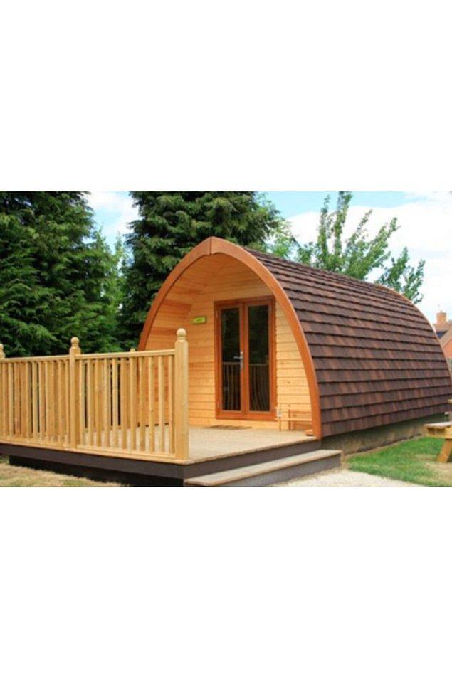 9. Boyutunu daha küçük ya da daha büyük tercih edebileceğimiz bir ahşap ev...