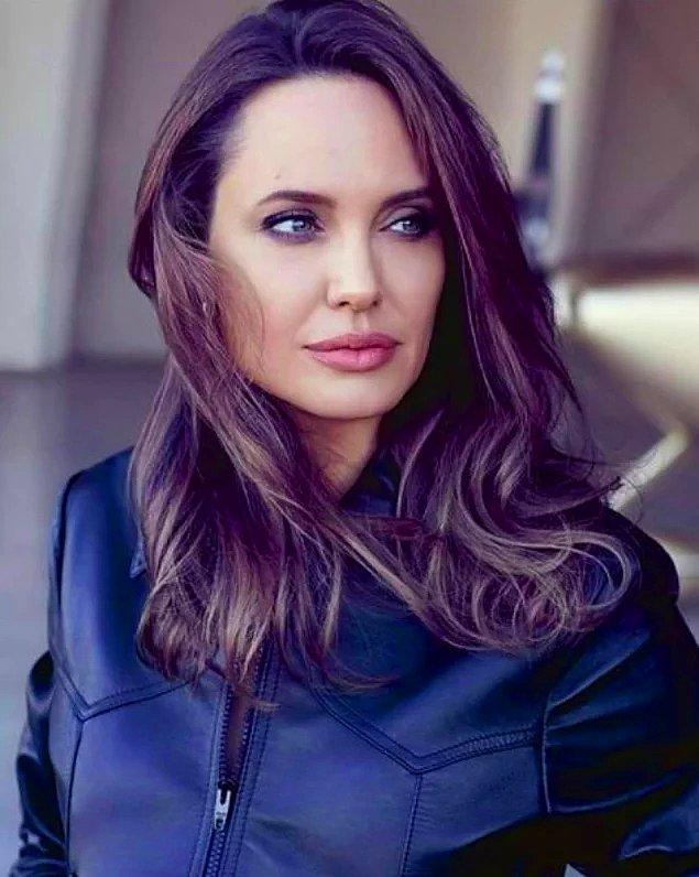 Dava sürecinde Jolie, Brad Pitt'in ilişkileri boyunca kendisine şiddet uyguladığını iddia etti...