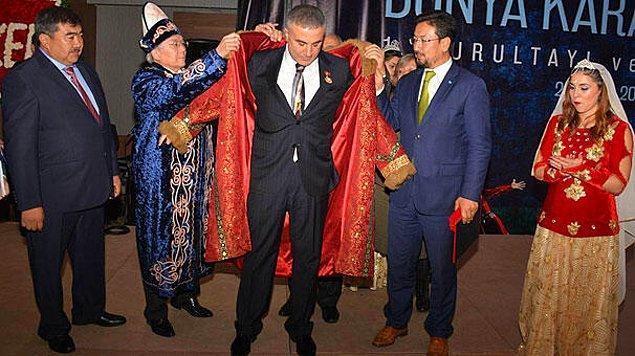 """Kültür Bakanının katıldığı etkinlikte """"Türk Hakanı"""" ödülü"""