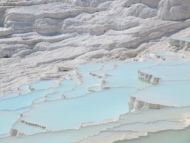 12. Şifalı termal suyu ile Dünya'nın 8. Harikası olarak adlandırılan Pamukkale.