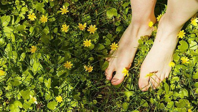 1. Ayaklarınızdaki kötü kokuyu önleyin