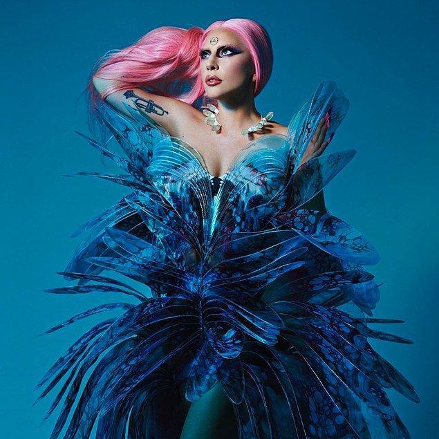 """8. Lady Gaga, evinden çıkar çıkmaz özgürlüğünü yitirdiğini ve """"herkes ait"""" olduğunu söyledi."""