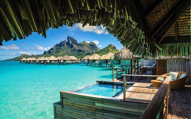 9. Fransız Polinezyası'nda bulunan Bora Bora Adası