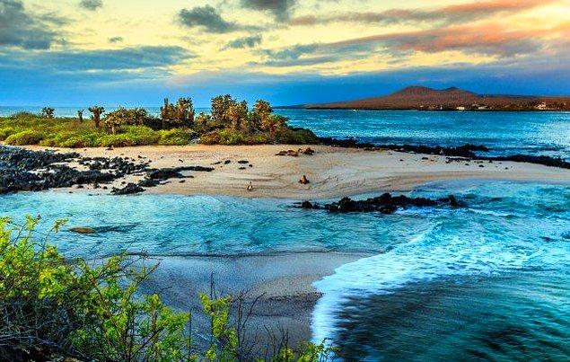 14. Ekvador'a bağlı Galapagos Adaları