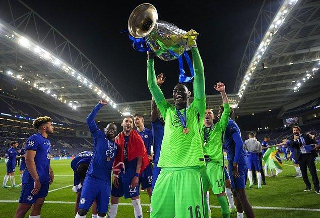Ve dün de Şampiyonlar Ligi'ni kazanan ilk Afrikalı kaleci oldu. 😍