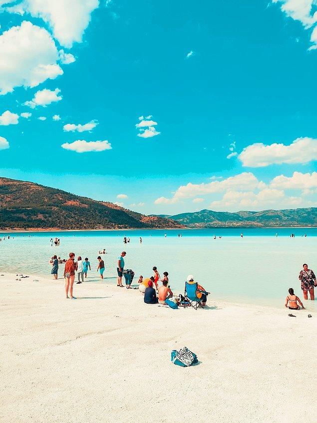 13. Türkiye'nin Maldivler'i olarak bilinen Salda Gölü son yıllarda oldukça ziyaretçi alıyor.