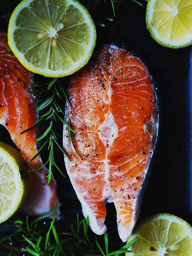 3. Buharda pişmiş bir balık yemeği çok daha sağlıklı.