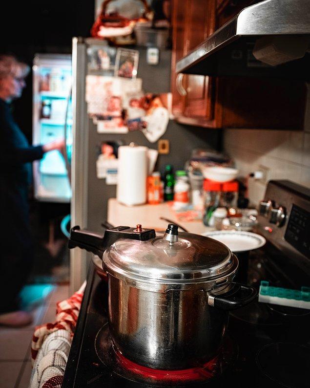 4. Her evde olan düdüklü tencerelerde pişen yemekler de size büyük bir pratiklik sağlayabilir.