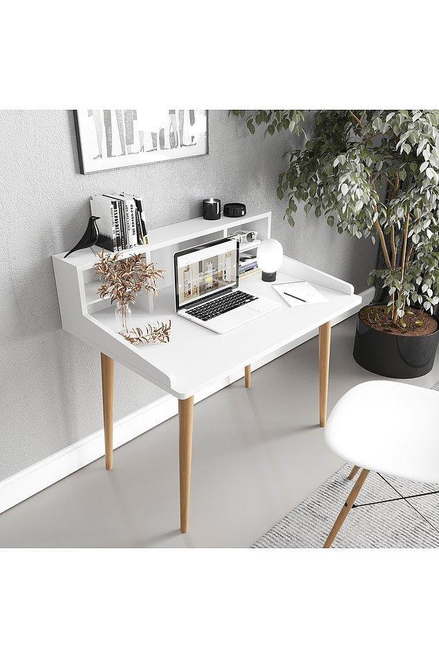 4. Raflı çalışma masası...