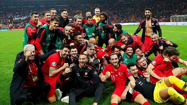 EURO 2008'de asist krallığını Cesc Fàbregas'la paylaşan oyuncumuz hangisiydi?
