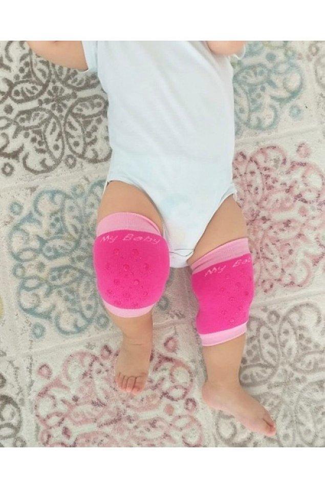 17. Emekleyen bebeklerin narin dizlerini de korumak lazım...