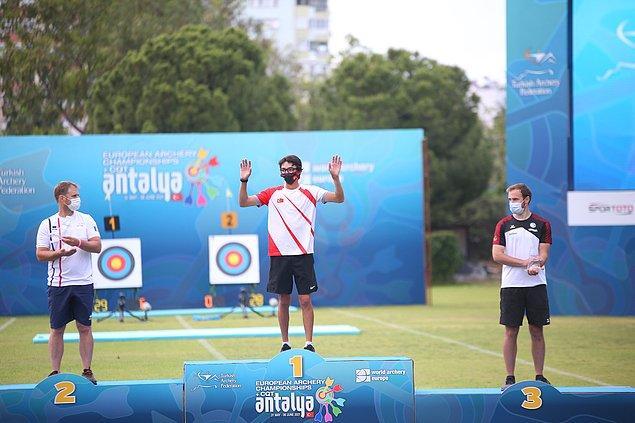 Mete Gazoz,, Antalya'da düzenlenen turnuvada birinci olduğu için büyük mutluluk duyduğunu belirterek, Türkiye'yi uluslararası turnuvalarda en iyi şekilde temsil etmeyi sürdüreceğini söyledi.