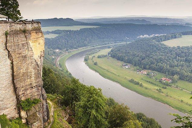 5. Elbe nehri Çekya'da doğan irili ufaklı akarsulardan doğmuştur.