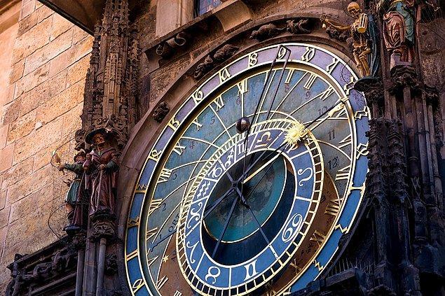 7. Prag'ın eski şehrinde dünyanın en eski üçüncü astronomik saati yer almaktadır.