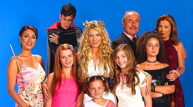 Selena dizisini hatırlamayan yoktur. Hem yayınlandığı dönemde hem de sonrasında tekrarlarıyla sevilen Türk dizilerinden birisiydi.