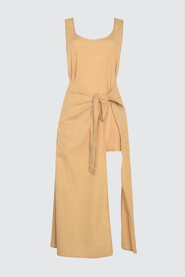 12. İçine bir jupon giyerek günlük olarak da rahatlıkla kullanabileceğiniz bir elbise.