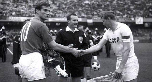 2. İtalya'nın 1968'de yazı-tura atışı ile finale kalması